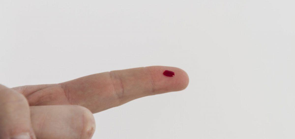 Test autoanalisi del sangue in farmacia a Novara: emocromo, glicemia, emoglobina glicata, quadro lipidico, quadro epatico, INR
